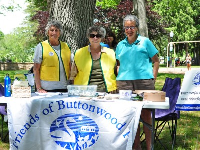 Friends of Buttonwood Park board members