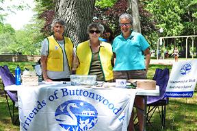 Friends of Buttonwood Park board members
