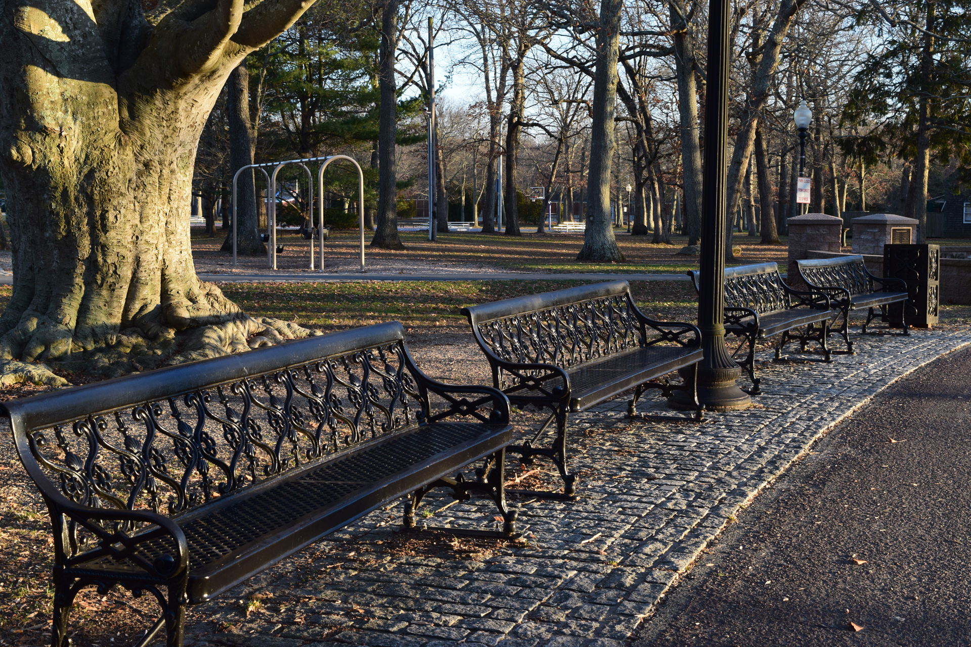 benches along path at Buttonwood Park