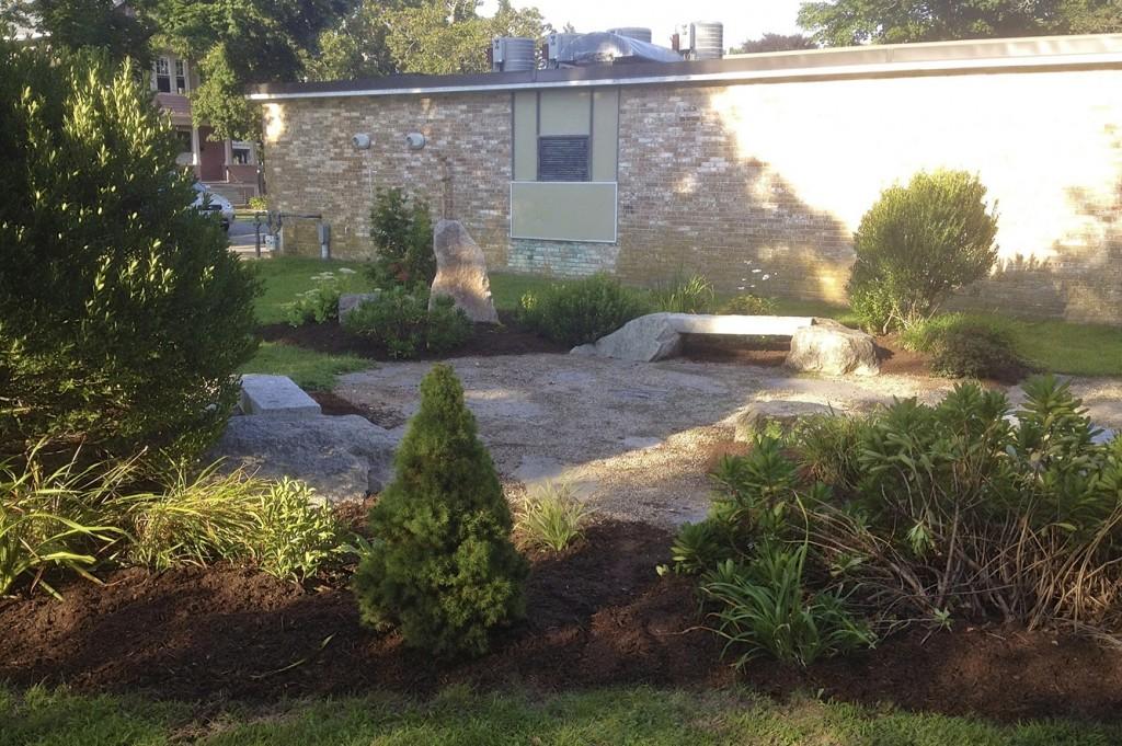 Outdoor garden, Lawler Branch Library, Buttonwood Park